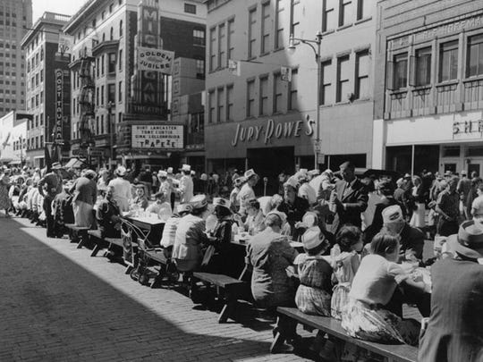 A view of the first Cereal Festival parade in downtown Battle Creek in 1956.
