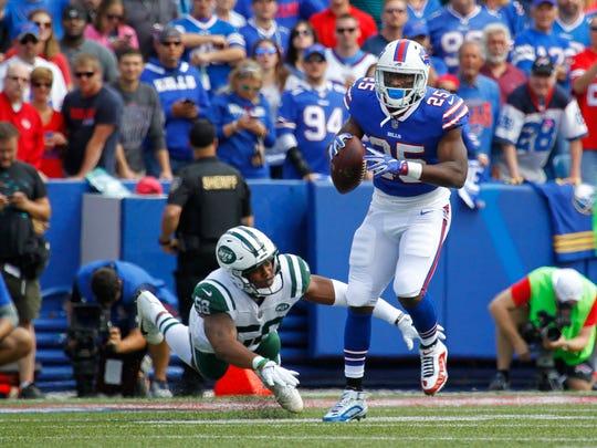Buffalo Bills running back LeSean McCoy (25) rushes