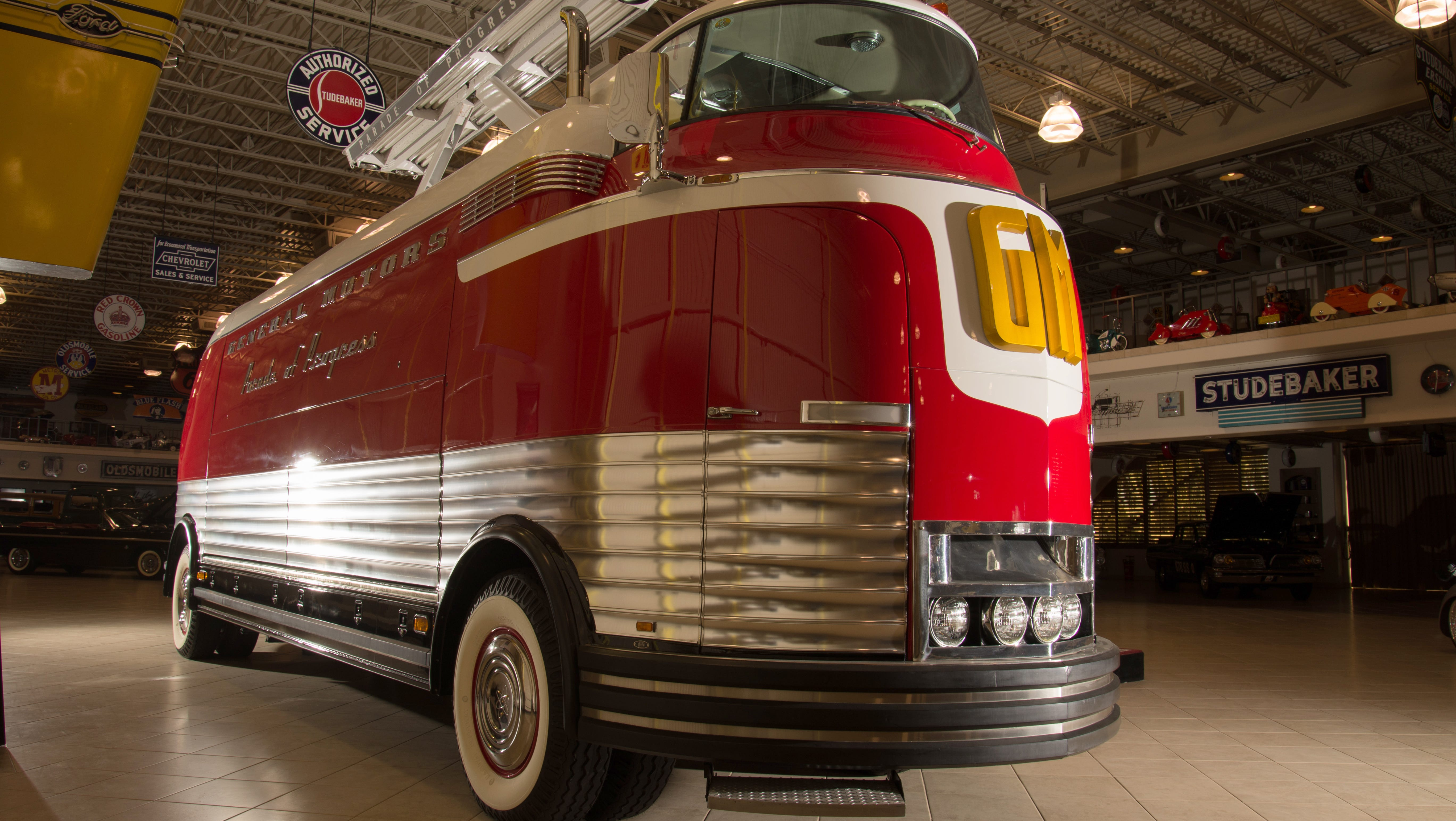 Gm Futurliner Bus To Be Auctioned At Barrett