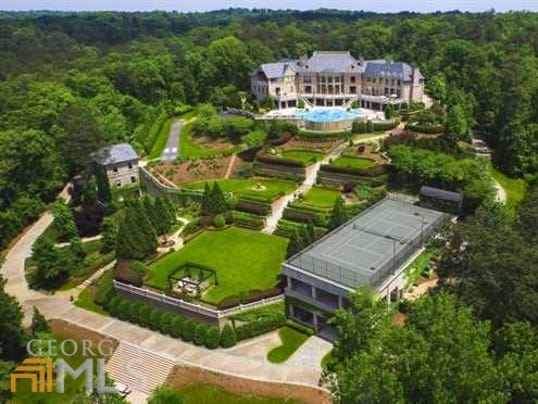 The 34 688 Square Foot 17 Acre Mansion Comes With A Price Tag Of A