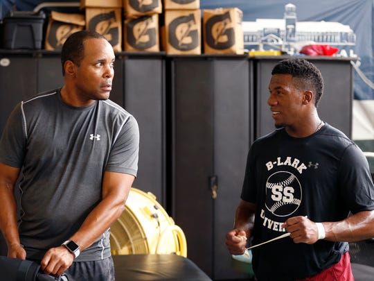 Former Reds shortstop Barry Larkin packs up with Reds