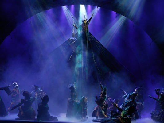 635827515423290528-The-Broadway-musical-Wicked
