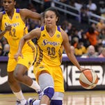 Guard Lindsey Harding signed Friday with the Phoenix Mercury, who drafted her No. 1 overall in the 2007 WNBA draft then traded her. She has played for five other WNBA teams.
