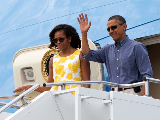 AP OBAMA VACATION A USA MA