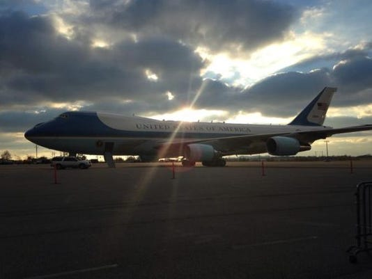 635537523085510263-airforceone