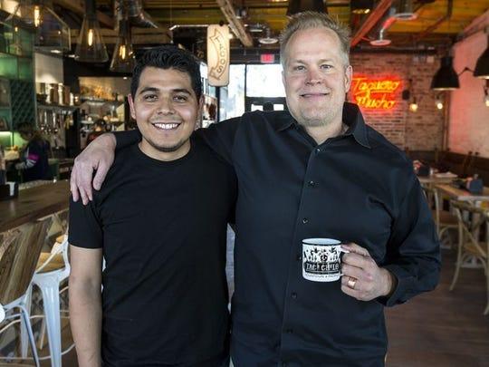 El chef Suny Santana y el restaurantero Aaron Chamberlin