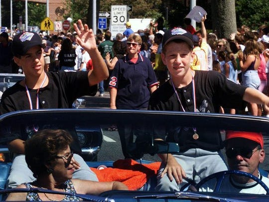 Todd Frazier, right, during the parade in Toms River