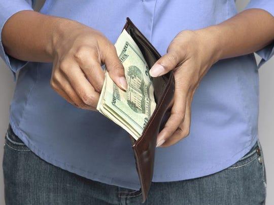 Se cauteloso a la hora de gastar tu dinero.