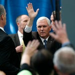 16 photos: Mike Pence campaigns in Fort Dodge