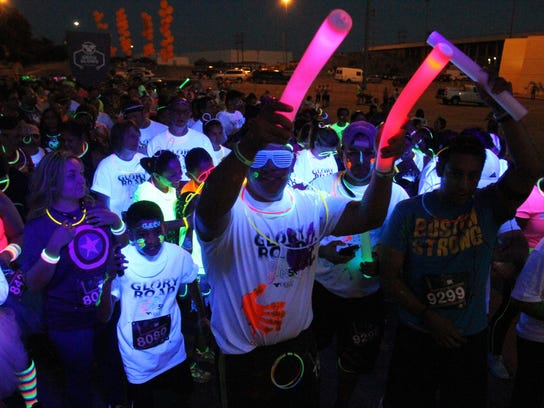 ELPBrd_10-01-2015_Times_1_D001--2015-09-30-IMG_GET_OUT_GLOW_RUN_2_9_1_A7C3A9