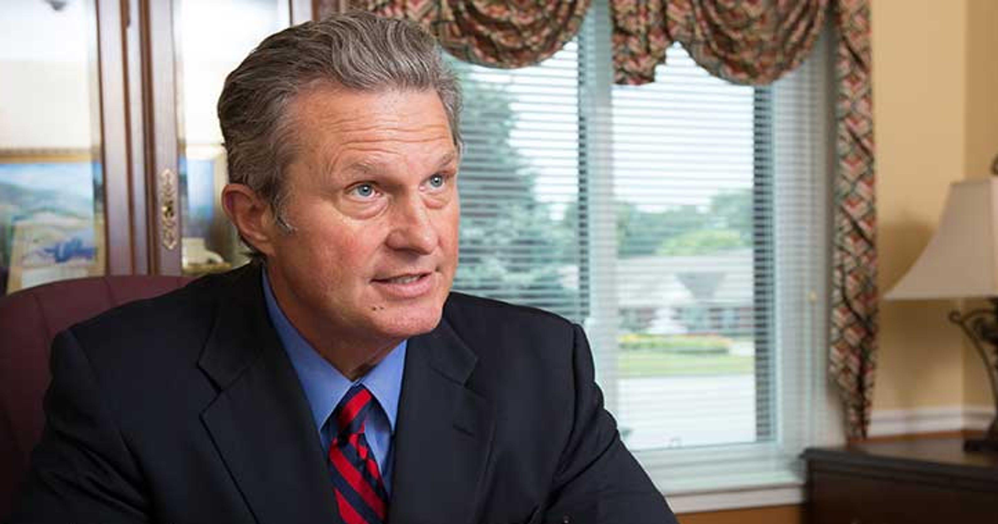 Louisville lawyer\'s fake Kentucky bar associations under scrutiny