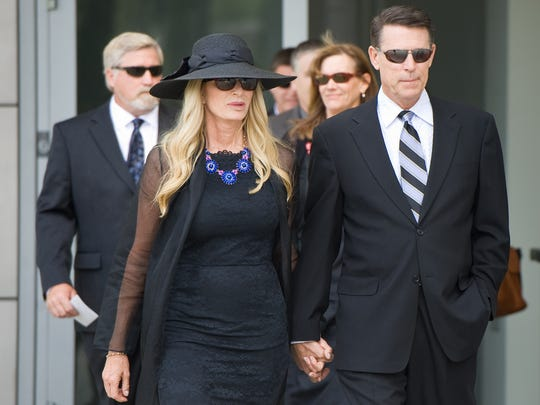 Donna and Robert Schuller arrive at Christ Cathedral