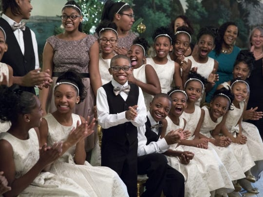 Detroit Academy of Arts and Sciences children perform at the White House.