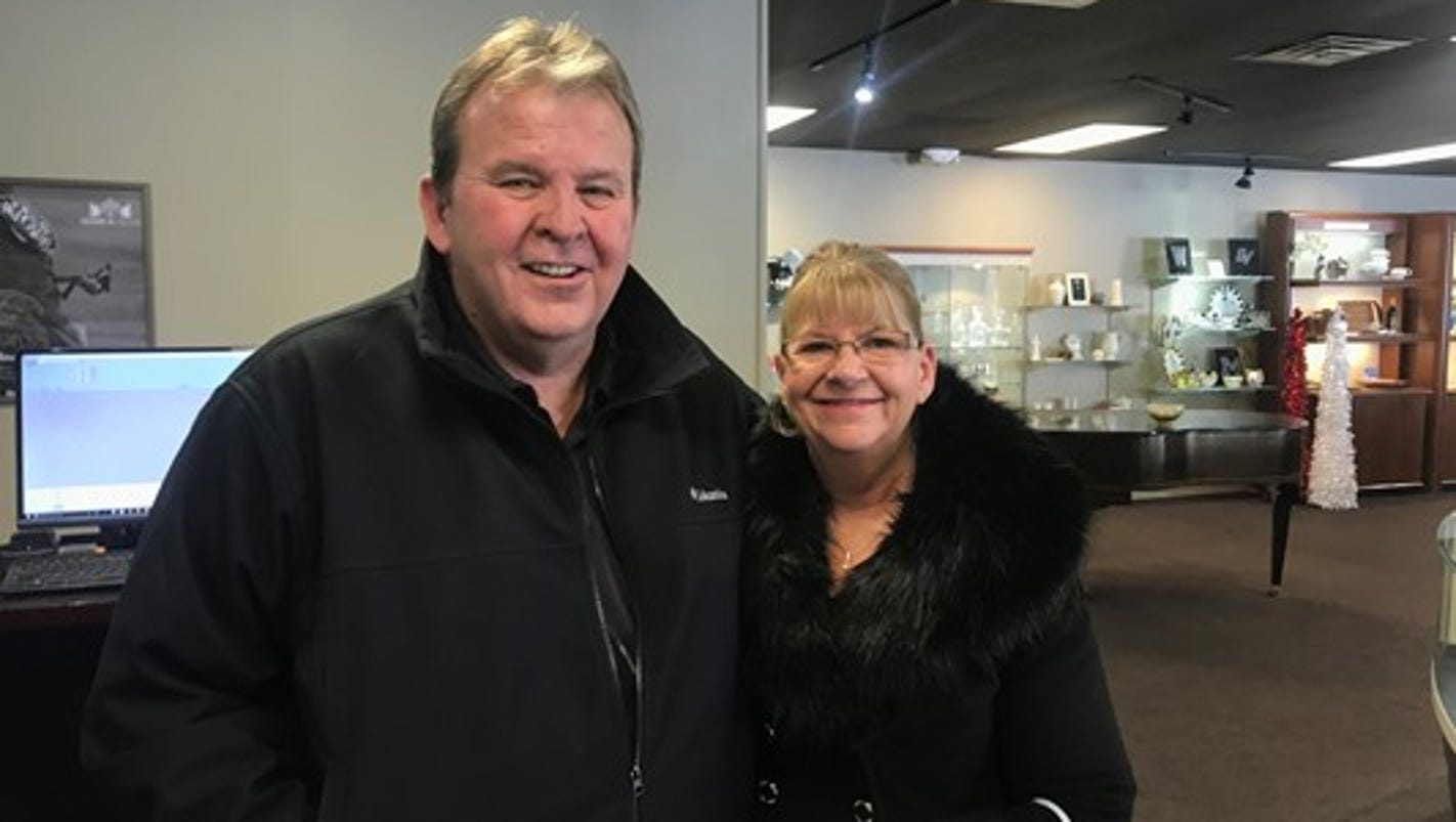 Jewelry store's customers refunded after historic Grand Rapids snowfall