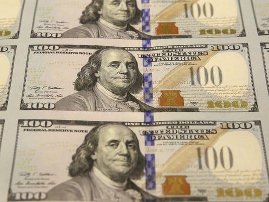 635556449142149053-Money