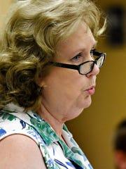 Glen Rock Borough resident Becky Thomason speaks during