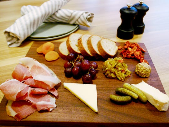 Board of Broadbent country ham, Farmstead cheese and