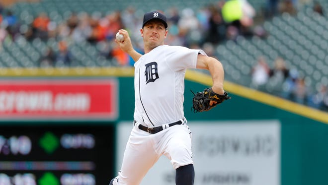 Detroit Tigers pitcher Jordan Zimmermann throws against the Minnesota Twins in the first inning in Detroit, Thursday, April 13, 2017.