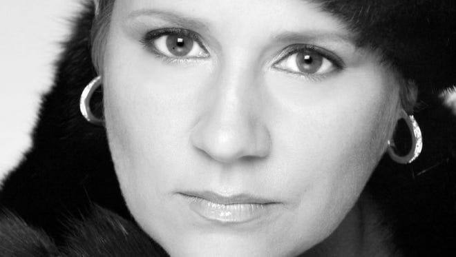 Simone Vigilante has appeared in recitals and competitions, with opera companies and orchestras, throughout the United States.