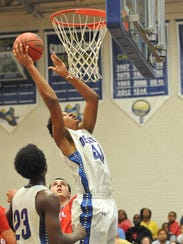 Stephen Decatur's Keve Aluma with the basket against