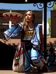 Lady Yazzie of the Dancing Earth company in Santa Fe