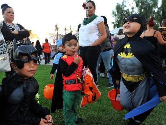 636434976934542897-1101-vclo-Halloween-coverage04.JPG