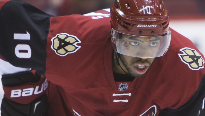 Coyotes' Anthony Duclair (10) plays against the Sharks during the final preseason game at Gila River Arena in Glendale, AZ on October 2, 2015.