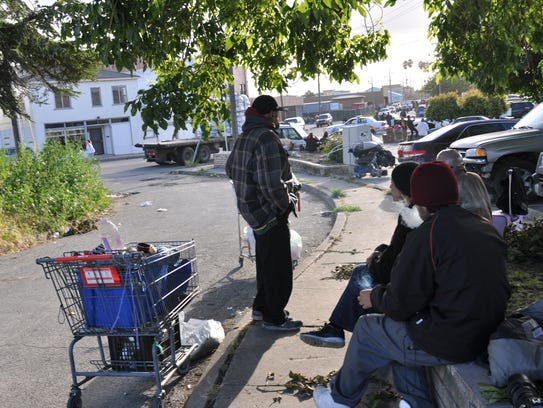 With few alternatives, homeless residents of Chinatown