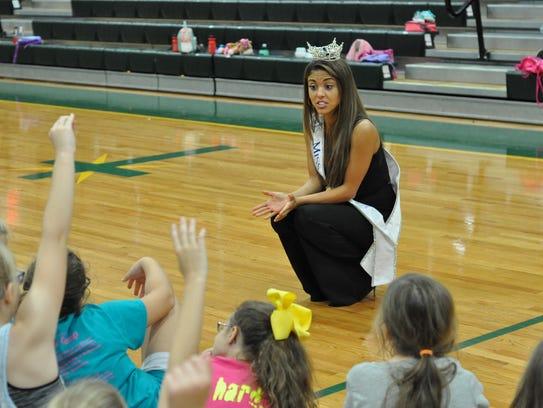 Miss Louisiana Laryssa Bonacquisti visits a dance clinic