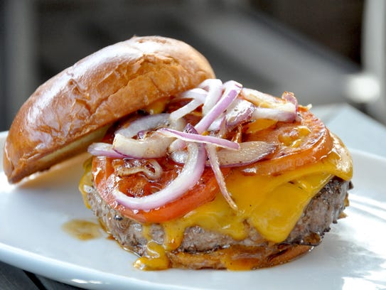 All-natural bison chipotle burger from Fossil Farms