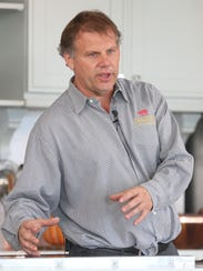 George Frasher talks about cooking techniques at the