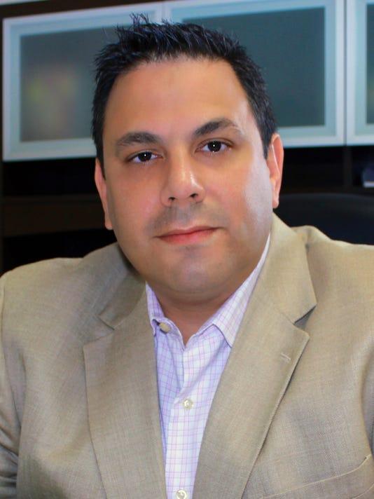 Julio Fuentes Headshot