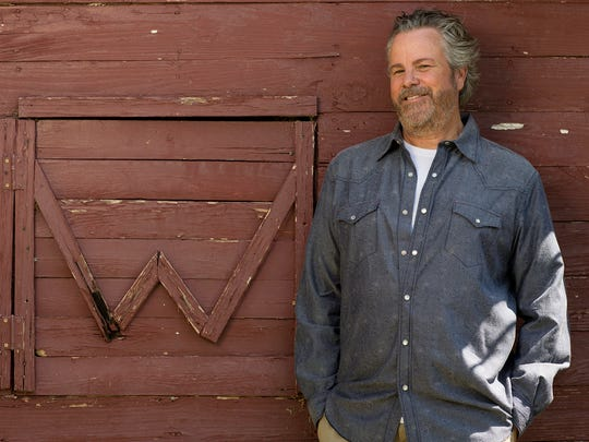 "While his last release focuses exclusively on bluegrass material, Robert Earl Keen Jr. says his next album will be devoted to ""short songs for a short attention span."""