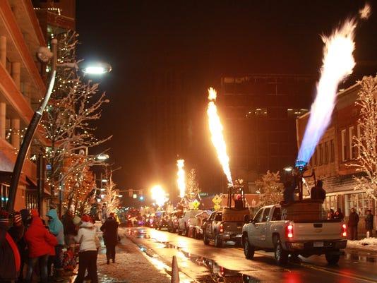 636087750633932045-christmas-parade.jpg