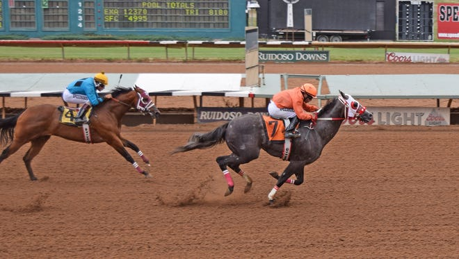 Big Spurs set the fastest-qualifying time to the record Restricted-Grade 1 $409,110 Zia Futurity at Ruidoso Downs.