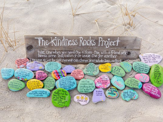 636309825532328748-KindnessRocks-6195.JPG