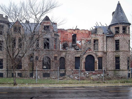 """The """"before"""" picture of the James Scott mansion at"""