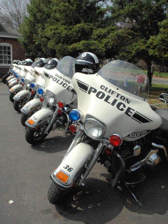 090216-cj-policemotorcycles03.jpg