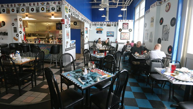 Mom's Margio's Diner has closed in the Port of Rochester.