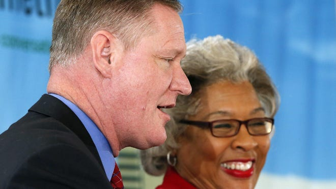 """Reps. Steve Stivers, an Upper Arlington Republican and Joyce Beatty, a Jefferson Township Democrat talk about their friendship during a Columbus Metropolitan Club """"Bipartisan Civility"""" forum at The Boat House at Confluence Park in January 2018."""