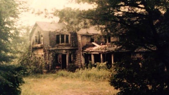 The Summerwind Mansion in Land O' Lakes fell into disrepair after a succession of owners, some who supposedly were driven away by ghosts.