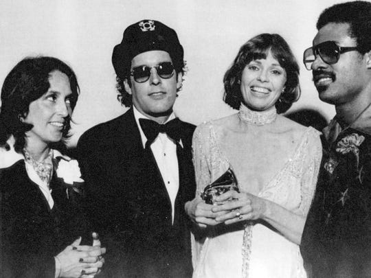 In 1976, the Captain & Tennille received the record