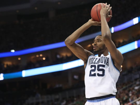 Mikal Bridges shoots the ball during a game against