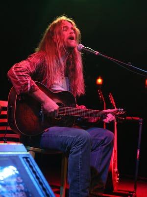 Grayson Capps hits Vinyl Music Hall Friday night.