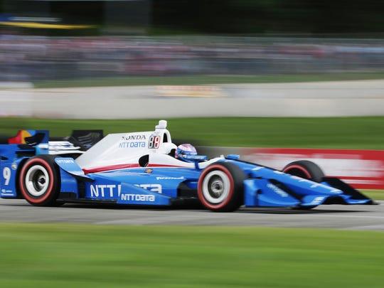Scott Dixon powers through Turn 5 in the 2017 Kohler Grand Prix at Road America.