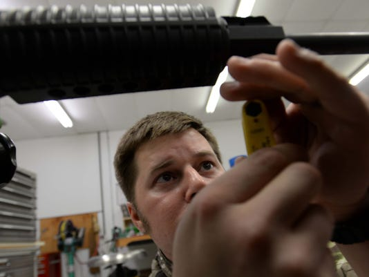 SHR 0831 Guns01.JPG