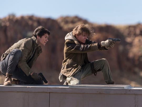 Thomas (Dylan O'Brien) and Newt (Thomas Brodie-Sangster)