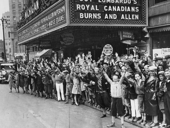 A crowd outside the Michigan Theater in 1932 anticipates