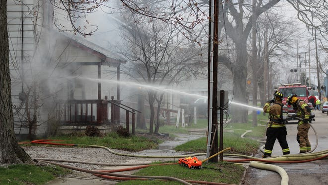 Firefighters from the City of Marion Fire Department were called to the scene of a structure fire Monday afternoon at 255 Barnhart Street. Officials said no one was injured and the house was abandoned. The cause of the fire is still under investigation.