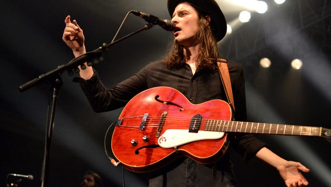 Singer-songwriter James Bay performs at the Eagles Ballroom on Thursday.